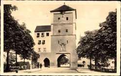 Postcard Augsburg in Schwaben, Straßenpartie mit Blick auf das Vogeltor