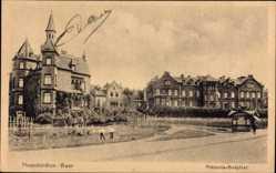 Postcard Neunkirchen an der Saar, Straßenpartie mit Blick auf das Viktoria Hospital