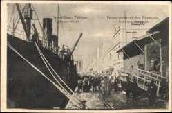 Postcard Saloniki Griechenland, Debarquement des Francais, Dampfschiff