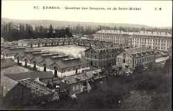 Ak Évreux Eure, Quartier des Dragons, vu de Saint Michel, Baracken