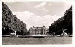 Hirschgruppe, Schloss