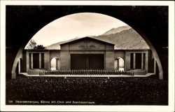 Bühne mit Chor