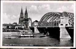 Hohenzollernbrücke, Dom