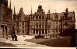 Schlossplatz, Rathaus