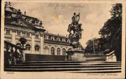 Floravase und Stadtsaal