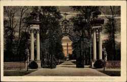Eingang, Obelisk, Armbrustertor