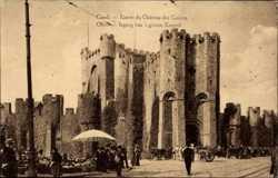 Entree du Chateau des Comtes