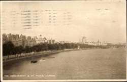Embankment, St. Pauls