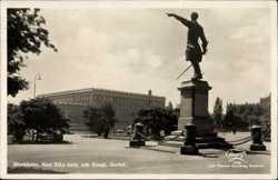 Karl VII, staty och Kungl, Slottet